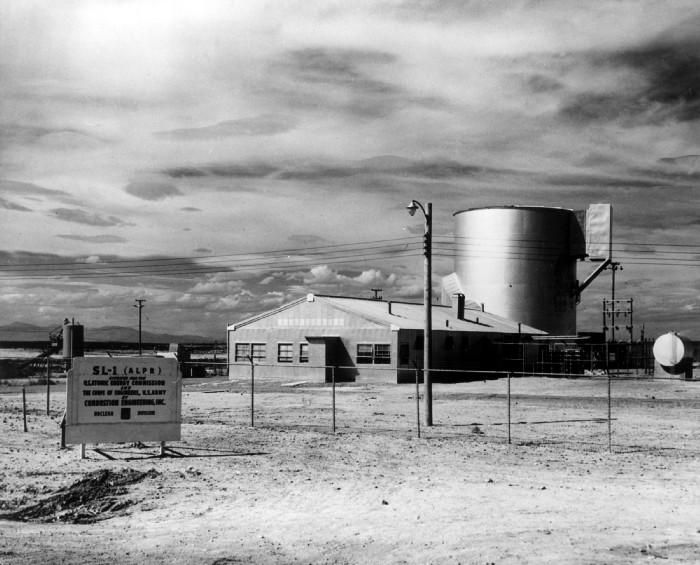 Explosion nuclear reactor
